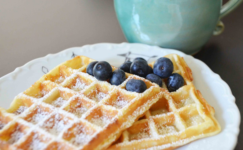 Zum Sonntagskaffee: Schnelle Belgische Waffeln | Https verwandt mit Waffeln Grundrezept Für Waffeleisen
